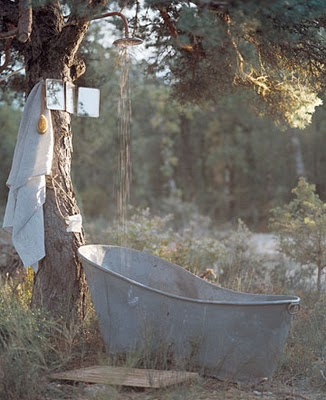 Rustic Outdoor Shower, with one comes with a bathtub.